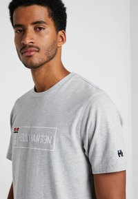 Helly Hansen - T-shirt imprimé - grey melange - 3