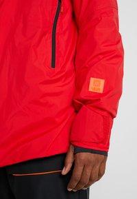 Helly Hansen - STRAIGHTLINE LIFALOFT JACKET - Snowboardová bunda - alert red - 7