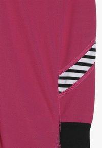 Helly Hansen - LIFA SET - Unterhemd/-shirt - dragon fruit - 4