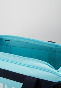 Helly Hansen - SCOUT DUFFEL S - Sportovní taška - glacier blue - 5