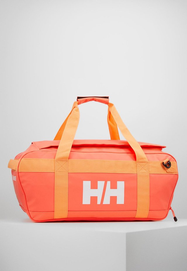 SCOUT DUFFEL M - Sports bag - living coral