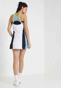 Head - FIONA DRESS - Sukienka sportowa - white/yellow - 2
