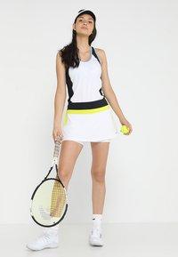 Head - EMMA SKORT  - Falda de deporte - white/yellow - 1