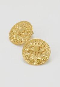 Hermina Athens - KRESSIDA SMALL PIN EARRINGS PAIR - Kolczyki - gold-coloured/citrine - 4