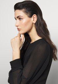 Hermina Athens - DELIAN BAND EARRINGS - Earrings - gold - 1