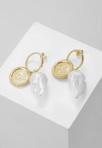 Hermina Athens - HERCULES LOST SEA BAND EARRINGS - Earrings - gold-coloured - 0