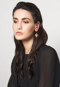 Hermina Athens - HERCULES LOST SEA BAND EARRINGS - Earrings - gold-coloured - 1