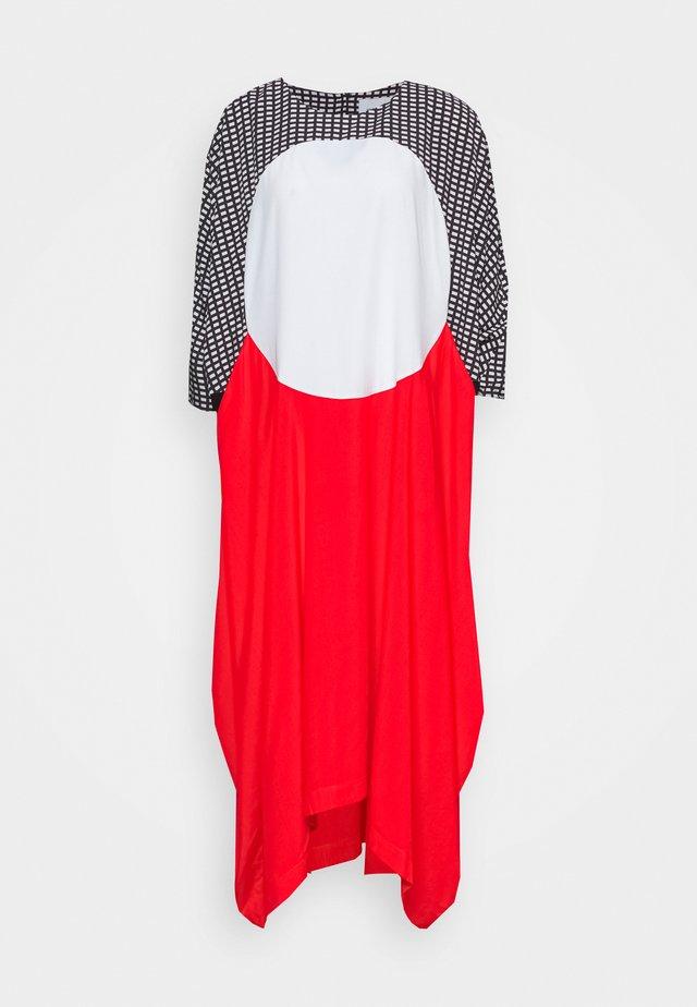 ION DRESS - Korte jurk - cherry red