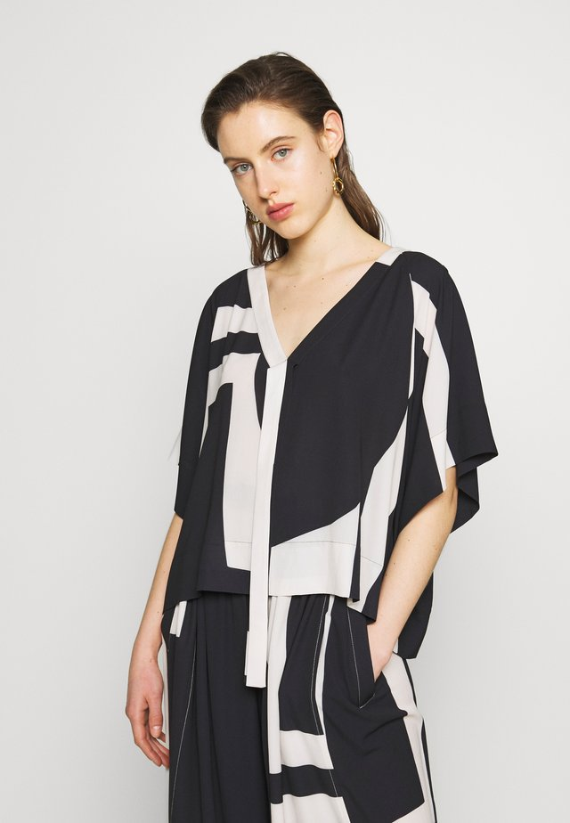 HANG ON SUMMER BLOUSE - Bluser - black