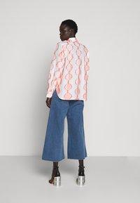 Henrik Vibskov - CRANE - Button-down blouse - cream - 2