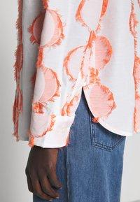 Henrik Vibskov - CRANE - Button-down blouse - cream - 3