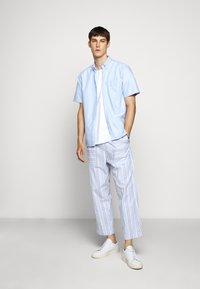 Henrik Vibskov - KAII SHIRT PANTS - Trousers - blue - 1