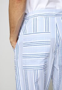 Henrik Vibskov - KAII SHIRT PANTS - Trousers - blue - 5