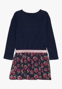 happy girls - WITH STRAWBERRY SKIRT - Jerseyklänning - navy - 1