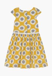 happy girls - Shirt dress - senf - 1