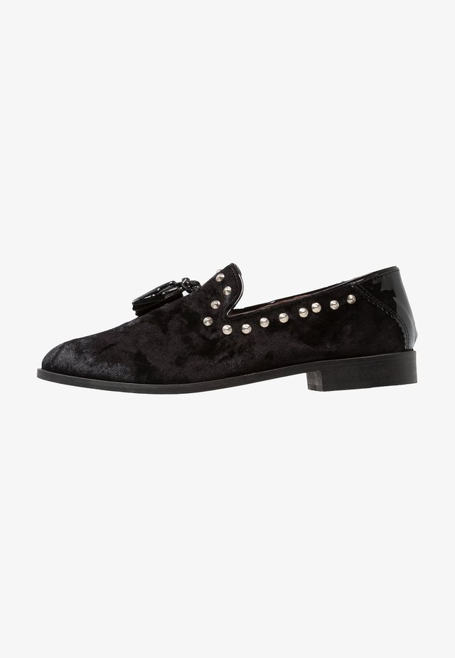 RAPTOR STUD - Loafers - black