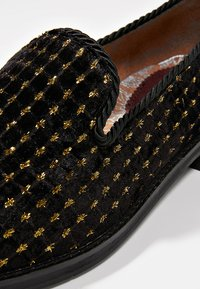 House of Hounds - STYX LOAFER - Slippers - black - 5