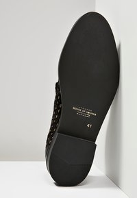 House of Hounds - STYX LOAFER - Slippers - black - 4