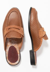 House of Hounds - BASTIAN EMBOSSED PENNY - Mocassins - tan - 1