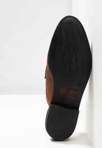 House of Hounds - BASTIAN EMBOSSED PENNY - Mocassins - tan - 4