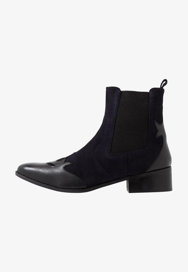 GUILD CHELSEA - Kotníkové boty - navy