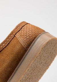 House of Hounds - BLAKE WALLABY - Sznurowane obuwie sportowe - tan - 5