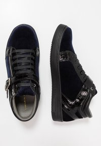 House of Hounds - GRIFFIN MID - Baskets montantes - black/navy - 1
