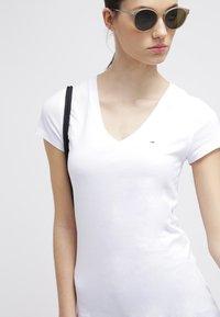 Hilfiger Denim - LEELA - T-shirt basic - classic white - 3