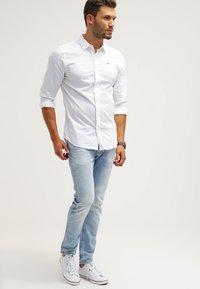 Hilfiger Denim - ORIGINAL SLIM FIT - Koszula - white - 1