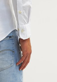 Hilfiger Denim - ORIGINAL SLIM FIT - Koszula - white