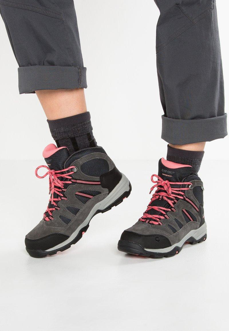 Hi-Tec - BANDERA II WP  - Hiking shoes - charcoal/graphite/blossom