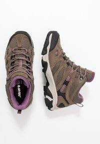 Hi-Tec - RAVUS VENT MID WP WOMENS - Zapatillas de senderismo - smokey brown/taupe/very grape - 1