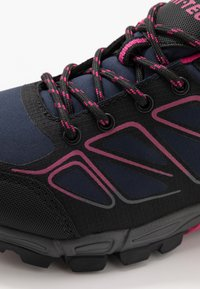 Hi-Tec - RIPPER LOW WP WOMENS - Hiking shoes - navy/black/magenta - 5