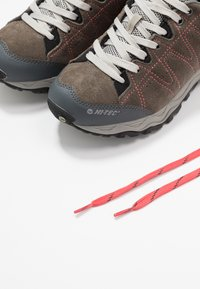 Hi-Tec - LIBERO II WP - Hiking shoes - charcoal/blossom - 5