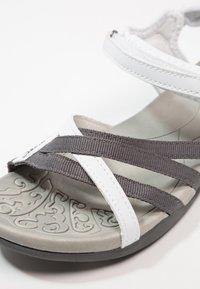 Hi-Tec - SAVANNA II  - Sandales de randonnée - white/grey - 5
