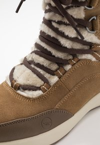 Hi-Tec - RITZY 200 WP - Vinterstøvler - brown/cream - 5