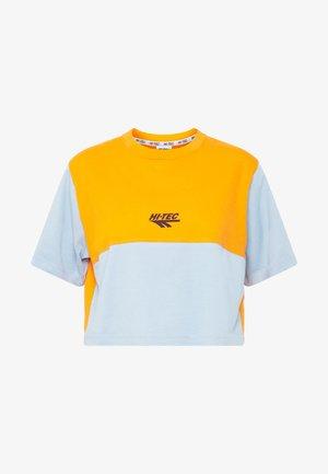 SIMONATA - T-shirts med print - deep pool/orange