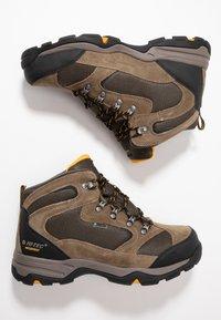 Hi-Tec - STORM WP - Hikingskor - smokey brown/taupe/gold - 1