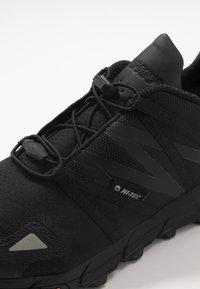 Hi-Tec - V-LITE-TRAIL RACER LOW - Hiking shoes - black - 5