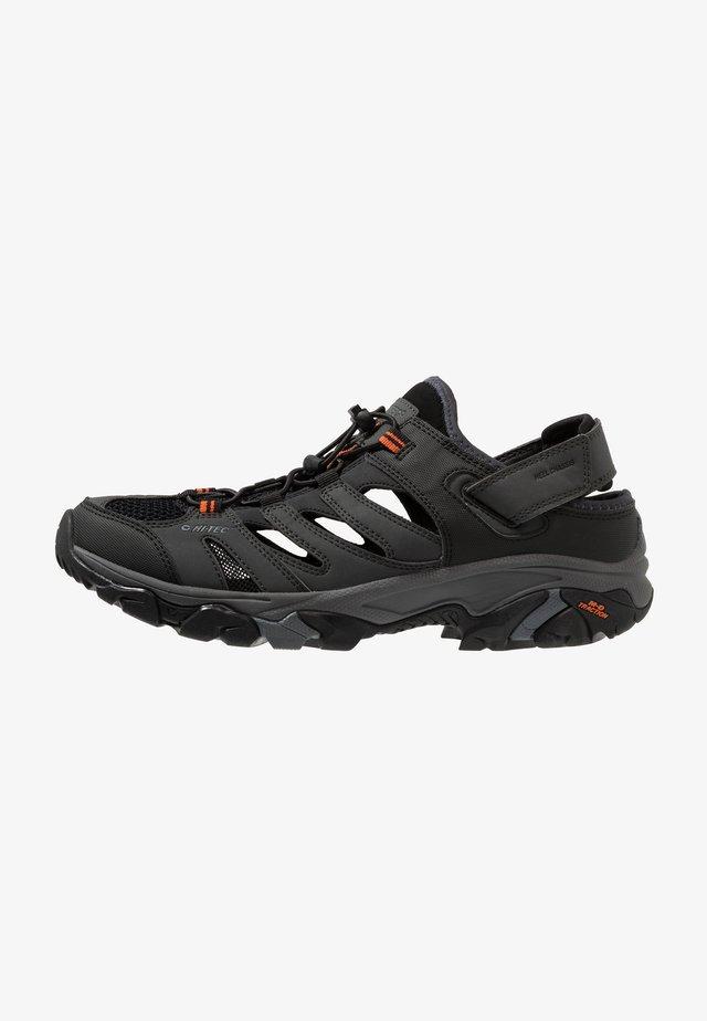 RAVUS STRIKE - Sandały trekkingowe - charcoal/black/red orange
