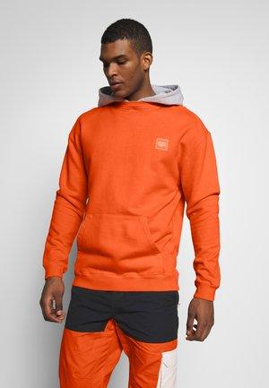 JACKSON - Sweat à capuche - orange zest