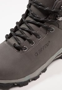 Hi-Tec - ROMPER WP  - Chaussures de marche - grey/black - 2