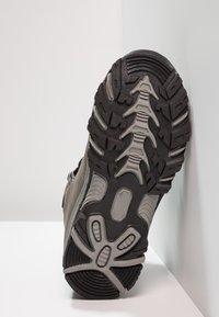 Hi-Tec - ROMPER WP  - Chaussures de marche - grey/black - 5