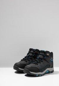 Hi-Tec - SHIELD WP - Outdoorschoenen - dark grey/black/lake blue - 3