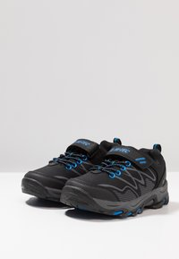 Hi-Tec - BLACKOUT LOW - Outdoorschoenen - black/blue - 3