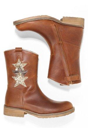 Cowboy/biker ankle boot - medium brown