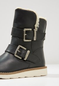 Hip - Kotníkové boty - black - 2