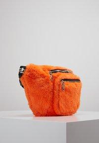 Hikari - FURRY BUM BAG  - Bum bag - orange - 3