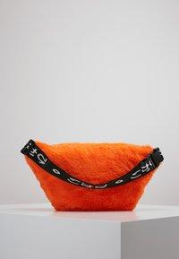 Hikari - FURRY BUM BAG  - Bum bag - orange - 2