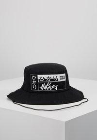 Hikari - LOGO BUCKET HAT - Hattu - black - 0